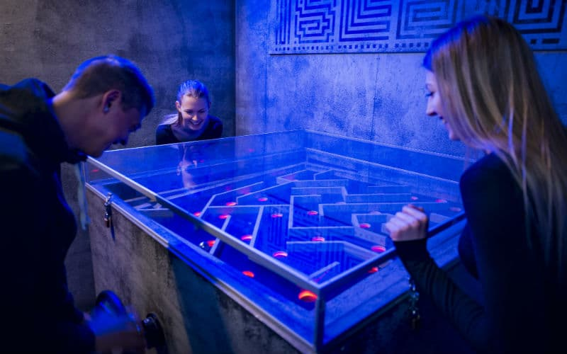 Utmanande rymningsspel på Prison Island